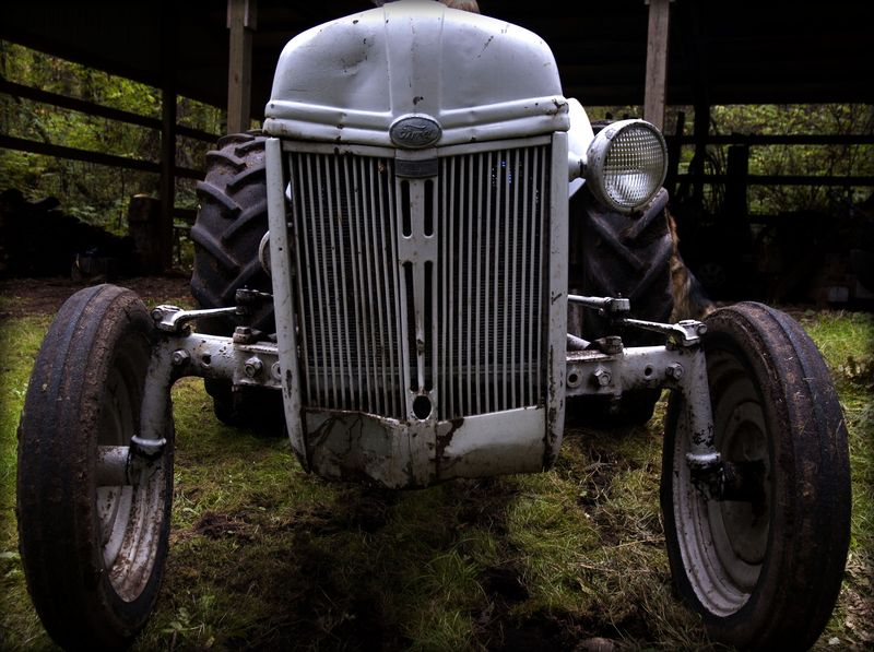 40s tractor front