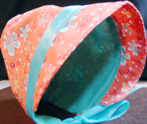 Apricot_and_turquoise_bonnet
