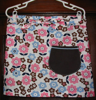Blue_brown_pink_apron