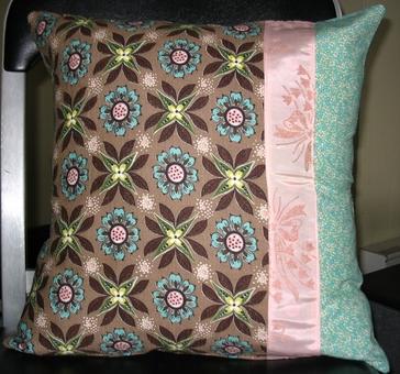 Brown_vintage_pillow