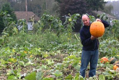 Eric_and_pumpkin_1