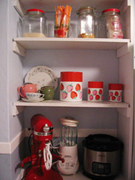 Kitchen_shelves