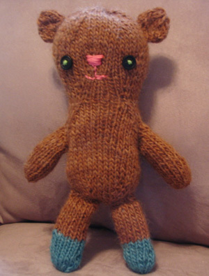 Knitted_bear