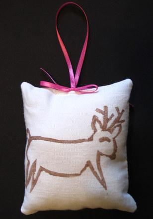Reindeer_ornament_1