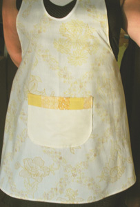 Yellow_white_apron